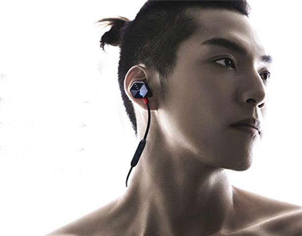 FIIL Carat智能入耳式蓝牙耳机
